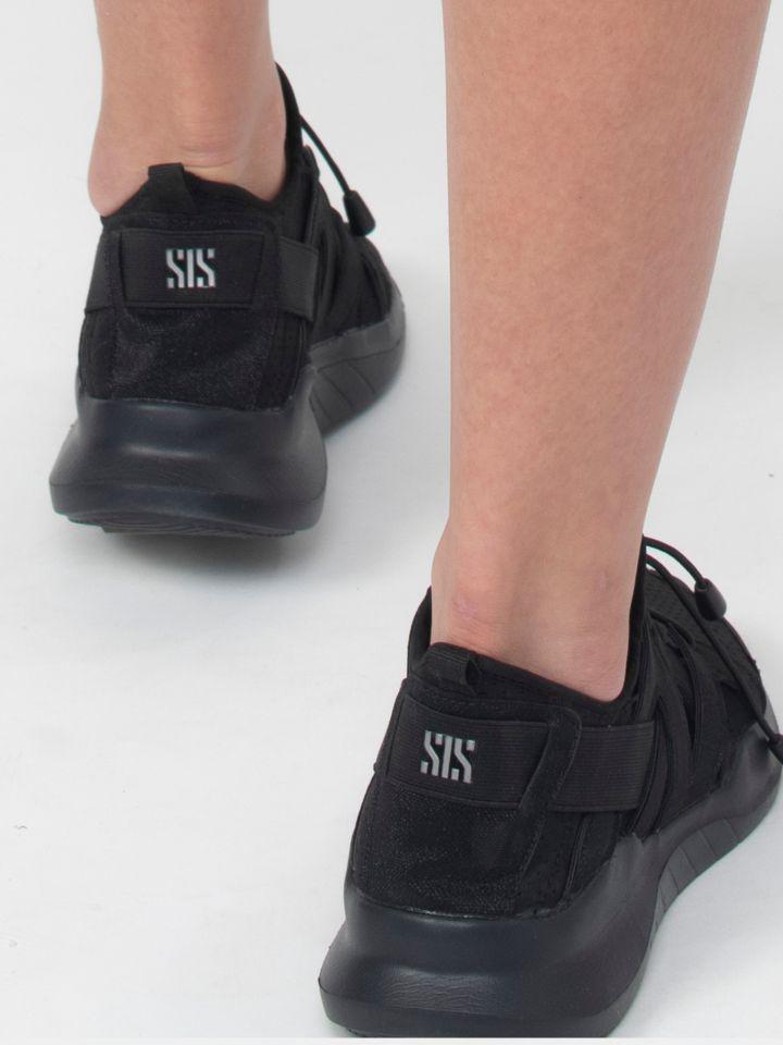 נעלי ספורט מונוכרמטיות