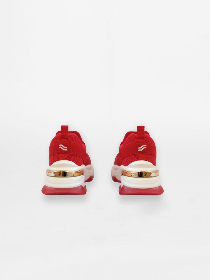 נעלי ספורט בשני גוונים