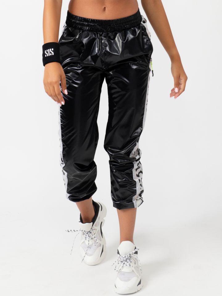 מכנס ניילון בשילוב הדפס כיתוב צידי