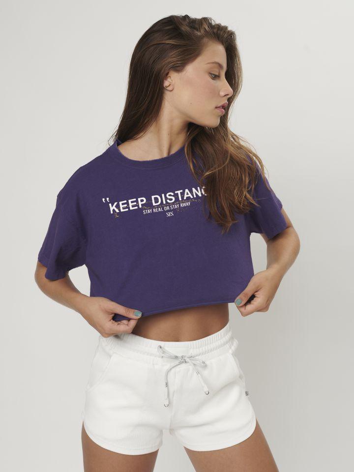 טי-שירט Keep Distance